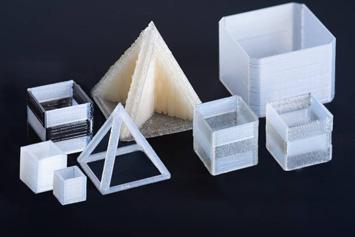 Multimaterialbauteile (Foto: DELO)