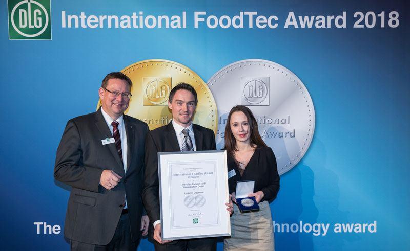 Verleihung der Urkunde und der Medaille in Silber - International FoodTec Award
