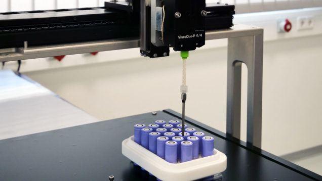 Verguss von Batteriemodulen mit dem ViscoDuo-P4/4
