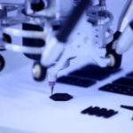 Eingesetzter 3D-Drucker für individuell erstellte Textilstrukturen aus Silikon